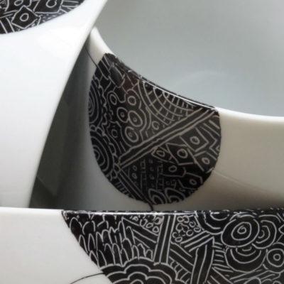 détail décors graphique blanc sur fond noir
