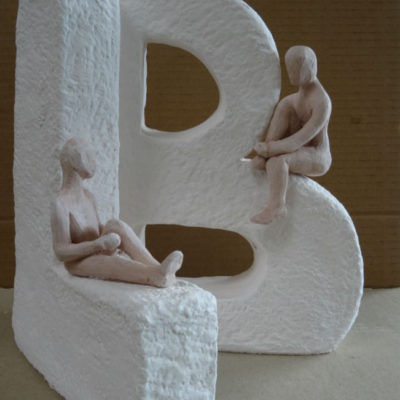 Sculpture terre initiales, cours adulte