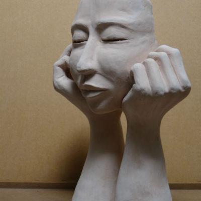 Sculpture terre, visage femme, cours adulte